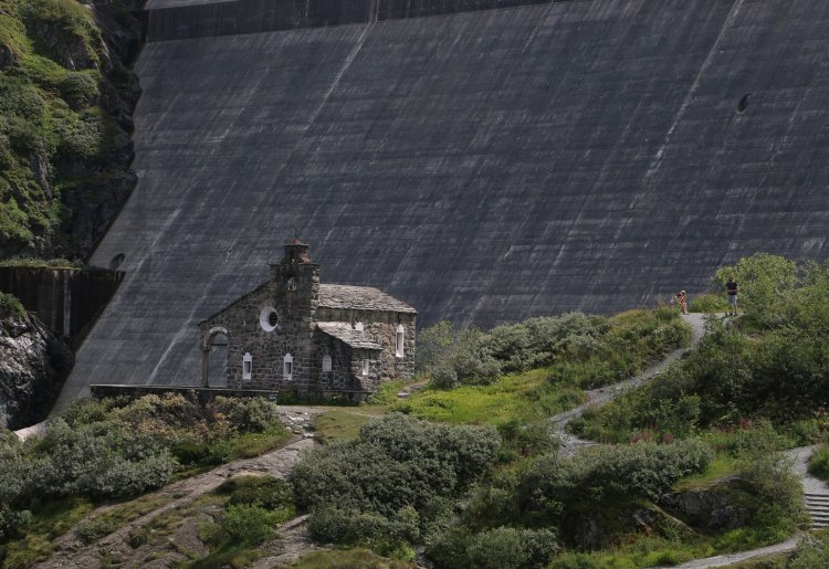 Le tour des 8 chapelles du Val des Dix