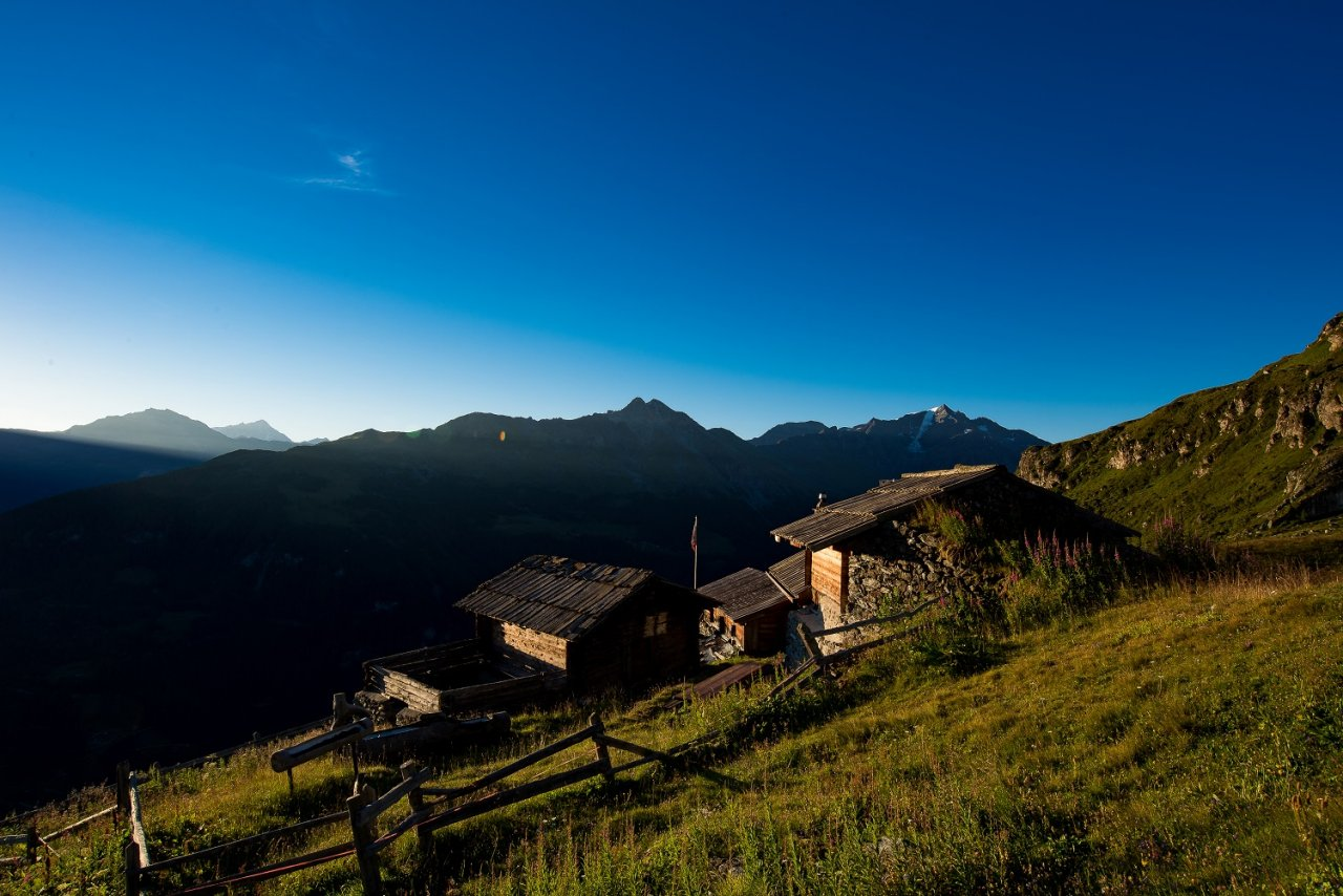 The huts of the Val des Dix
