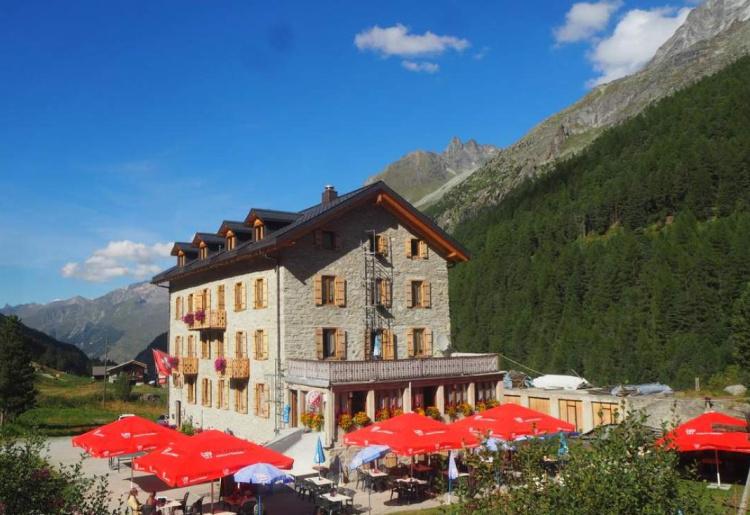 Piste de Pétanque - Hôtel et Restaurant Aiguille de la Tza