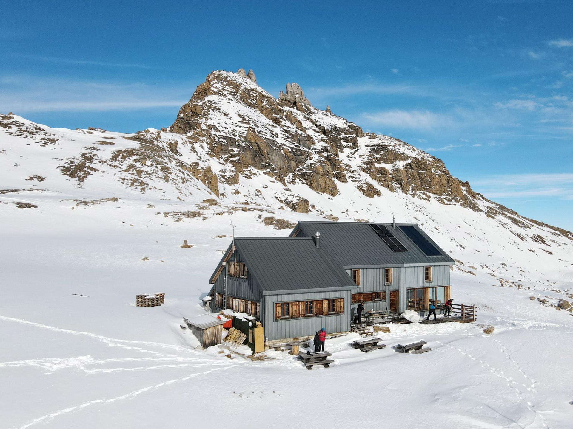 La cabane des Becs de Bosson est ouverte