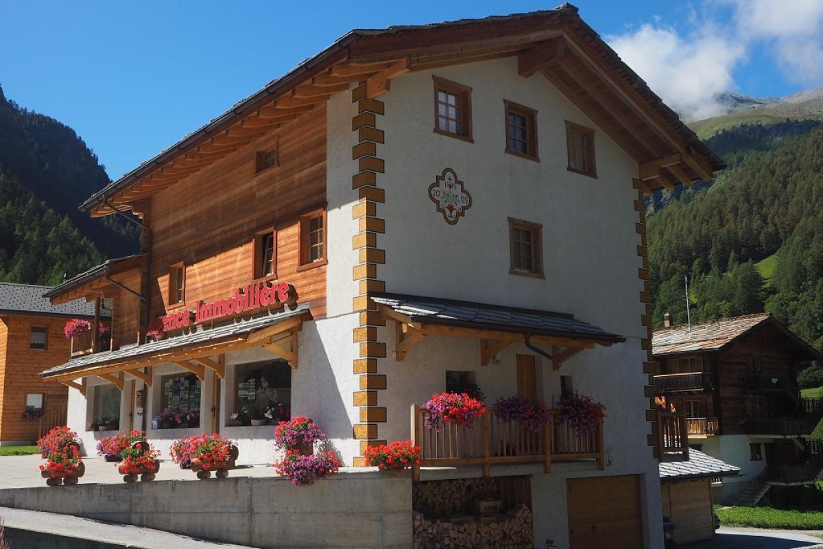 Agence immo tourisme evol ne r gion location for Agence immo location