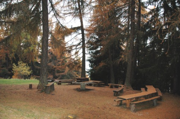 Room hire and picnic areas – Nax Région-32301