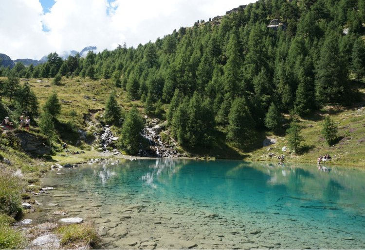 Circuit cabane des aiguilles rouges et le lac bleu